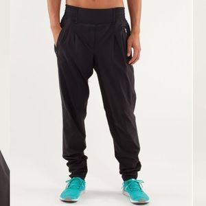 Lululemon Run With River Pant LIKE NEW